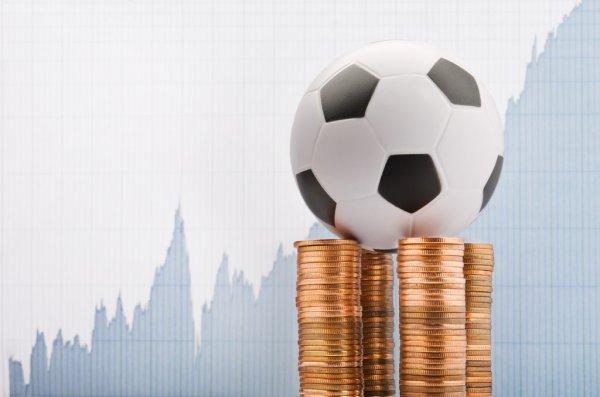 ᐈ Футбол и деньги: фото и картинки футбол и деньги, скачать изображения на Depositphotos®